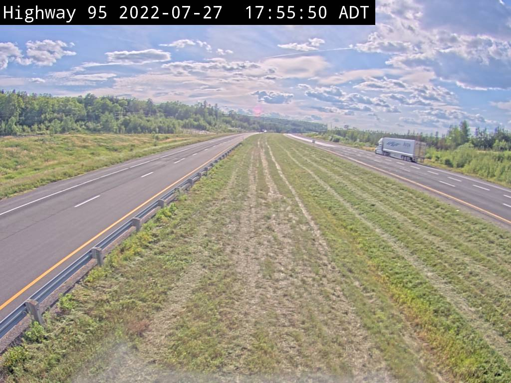 Traffic Camera on Hwy 95 in new Brunswick near the Richmond Corner border crossing.
